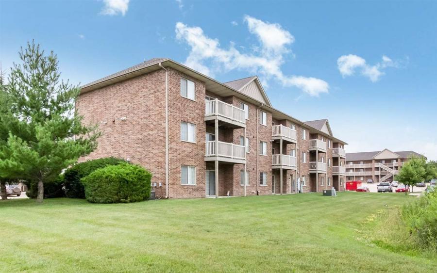 75-83  Miller Avenue SW, Cedar Rapids, Iowa