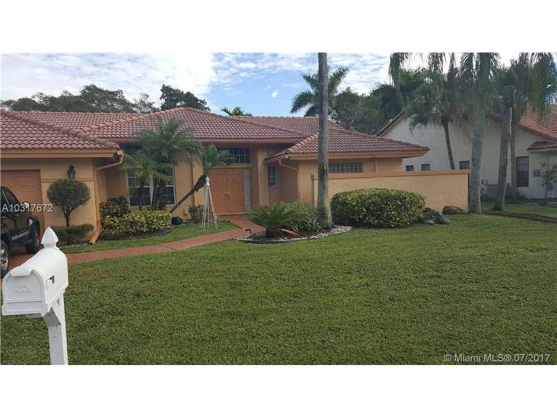7925 NW 83rd St, Tamarac, Florida