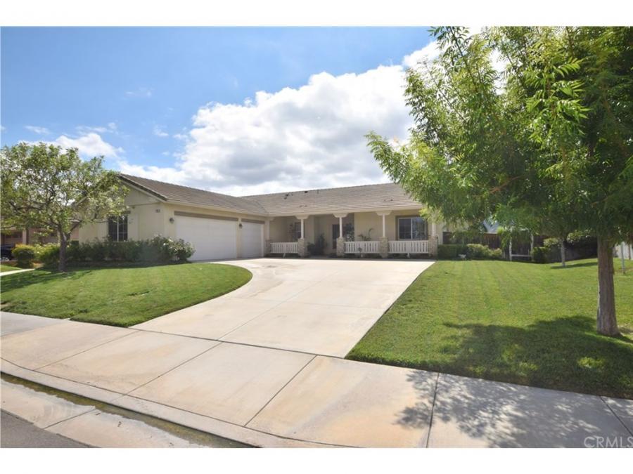 23981 . Noelle Avenue, Murrieta Hot Springs, California