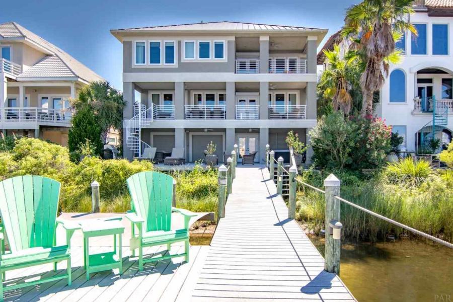 19 LA CARIBE DR, Pensacola Beach, Florida